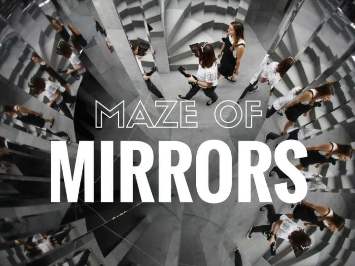 Maze of mirrors